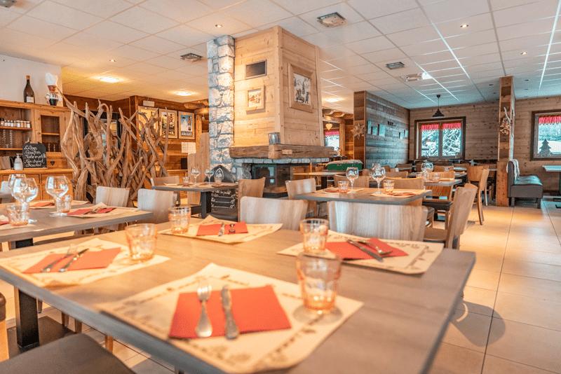 restaurant savoyard au pied des pistes de ski alpin